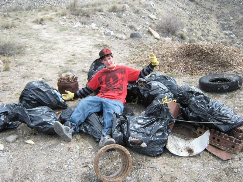 YCG Earth Day resized2011 014